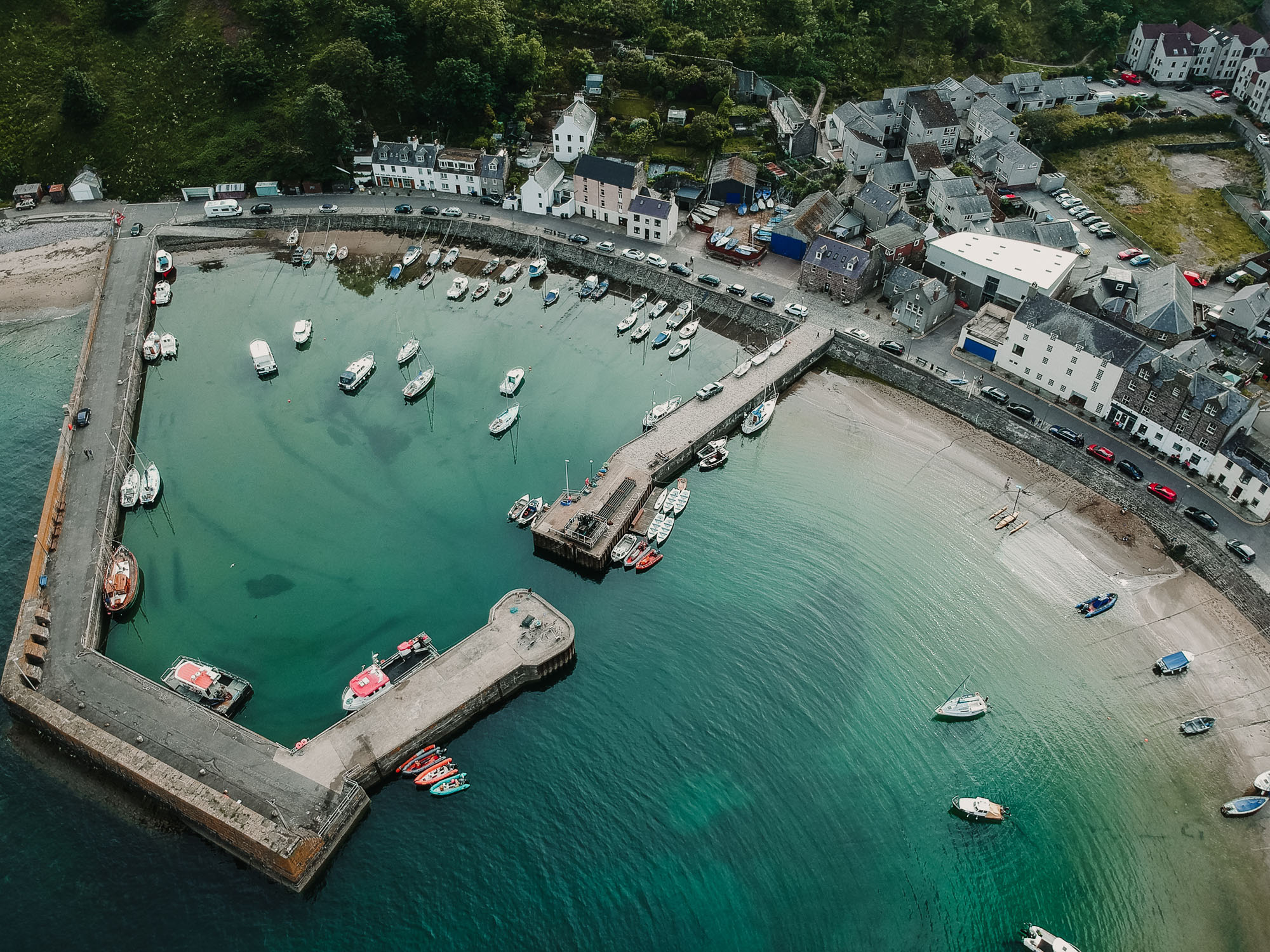 STONEHAVEN-HARBOUR-FROMABOVE-SCOTTLAND